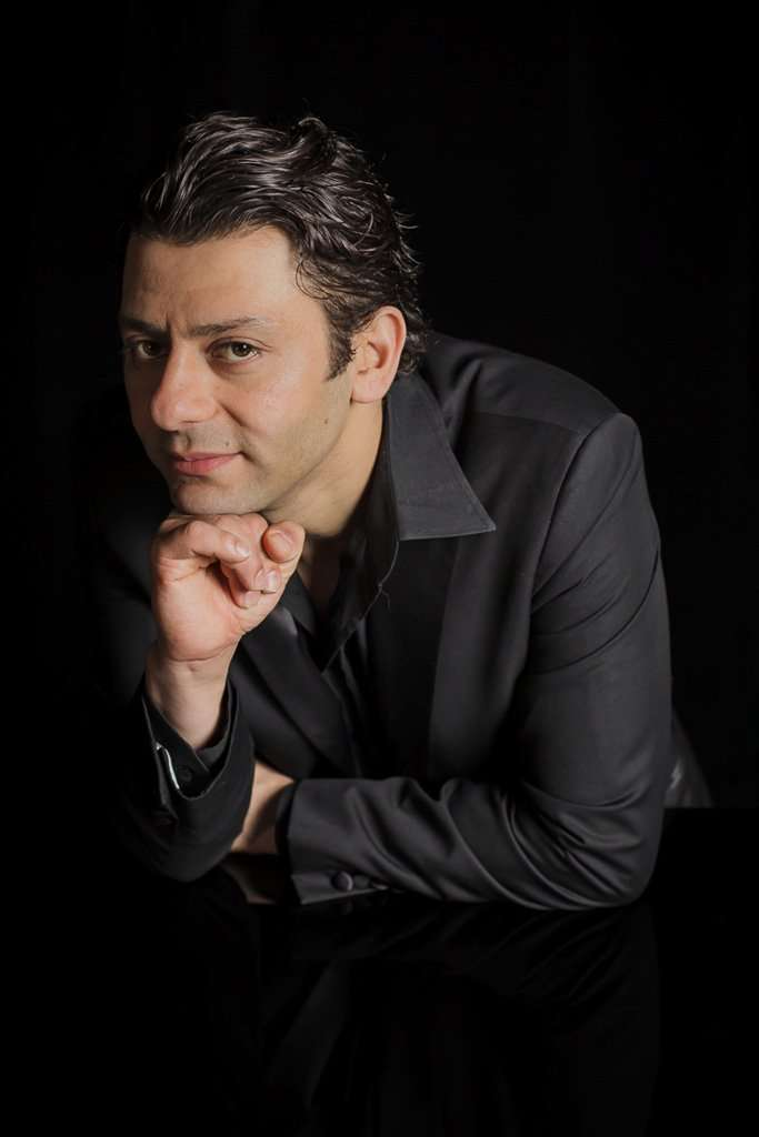 Amadi Lagha – tenor