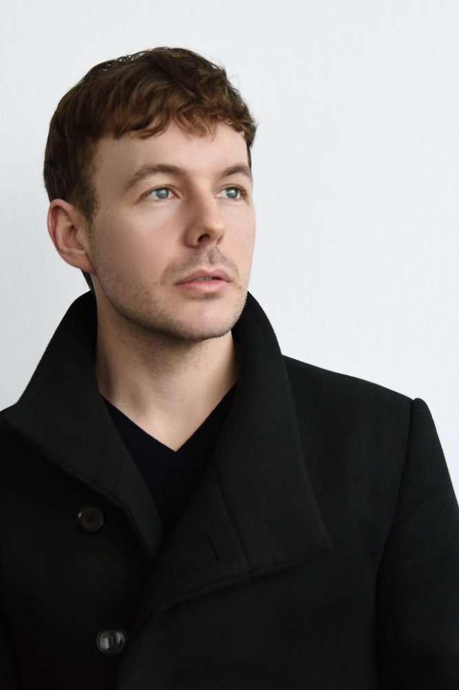 Alasdair Kent - tenor