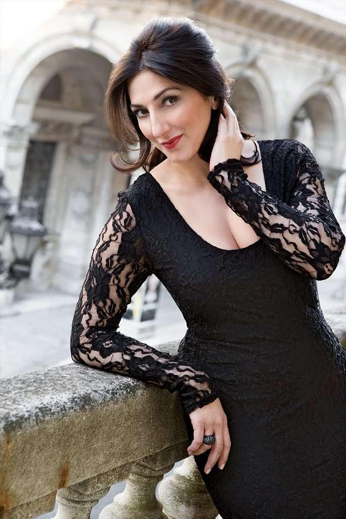 Karine Babajanyan, soprano - AartMusic